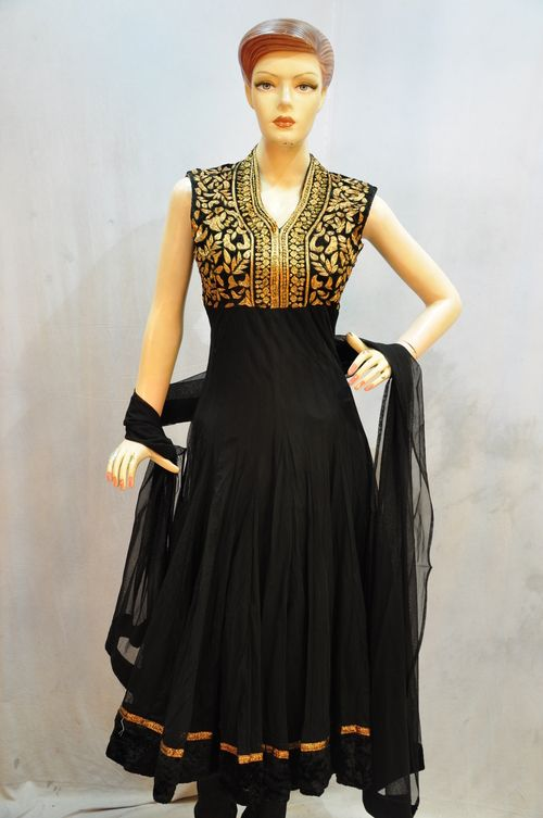 The design is perfect! Not too much to handle, not too little. Perfect.    Anarkali Suit with fluid, slim midriff area