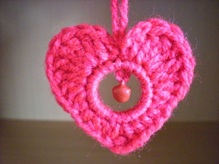 Pretty heart - free crochet pattern with chart by emmhouse.