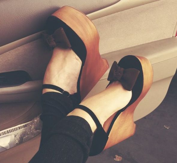 cuteWedges Heels, Fashion Shoes, Winter Looks, Black Bows, Wedges Shoes, Bows Wedges, Girls Fashion, Girls Shoes, Black Wedges