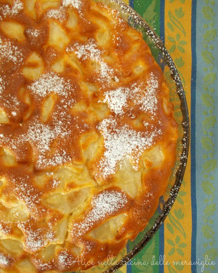 La torta di pere è semplicissima da fare e è pure light. In più, se fate come me che al posto dello zucchero ho messo la stevia, diventerà ancora più light!
