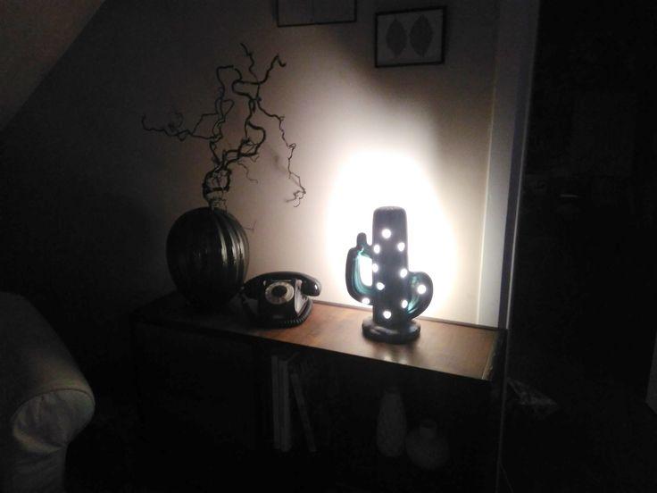 mid century cactus-lamp