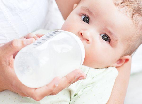 Costoso e taroccato: le truffe del Latte in Polvere per bambini