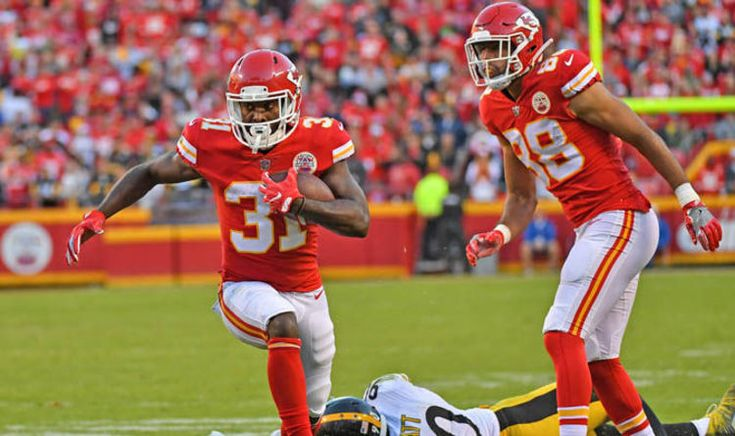 Chiefs vs Raiders LIVE stream: How to watch Thursday night football online and on TV