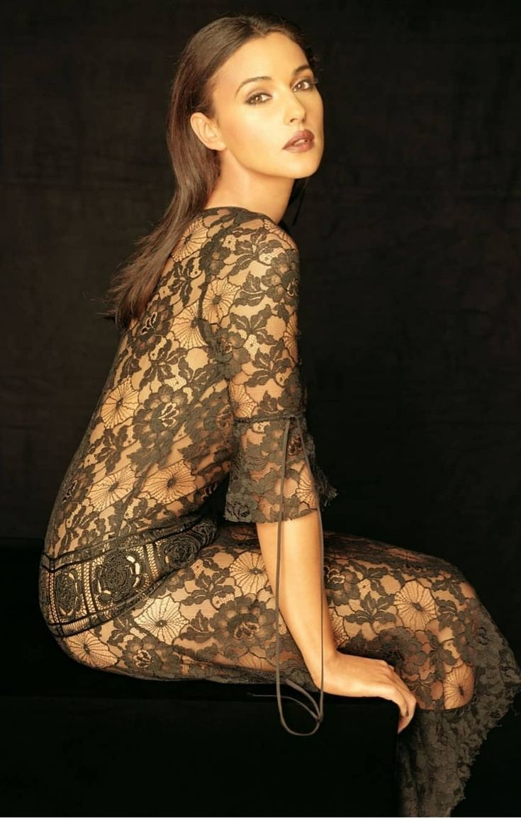 Pin by BASIL AEK on Monica Bellucci in 2020 | Monica
