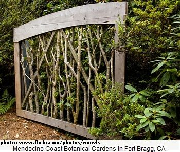 Branch garden gate - could do something similar with bamboo.