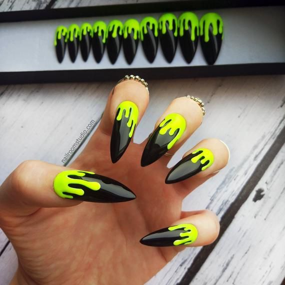 Pin By Vanessa Oostveen On Nails In 2020 Neon Green Nails Drip Nails Green Nails