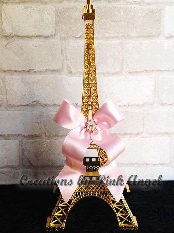 Artículos similares a Centro de mesa Torre Eiffel de oro, oro y rosa centro de París, París novia nupcial ducha o bebé ducha central de 15 pulgadas en Etsy