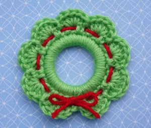 Create an easy Crochet Wreath Ornament. Crochet ornaments are such wonderful free Christmas patterns.
