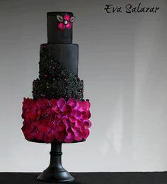 Black Violet Cake to end 2016 by Eva Salazar