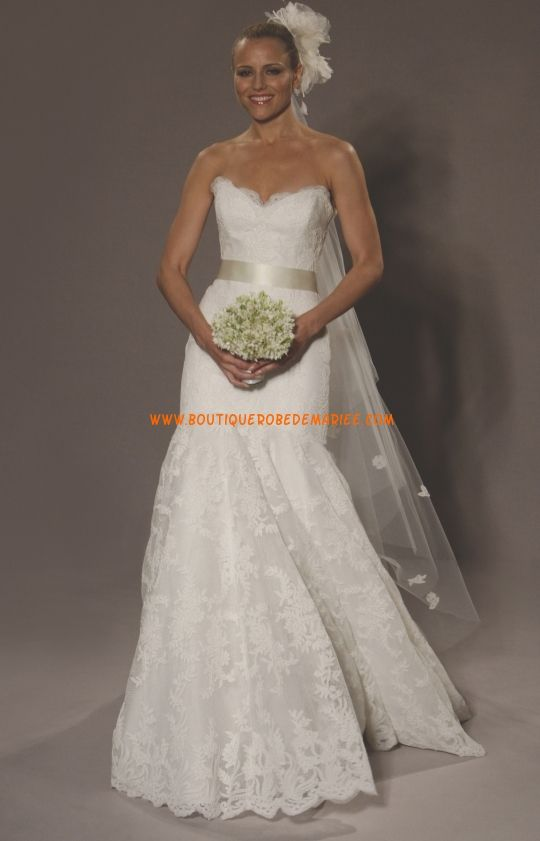 Robe de mariée 2011 sirène en detelle avec ceinture