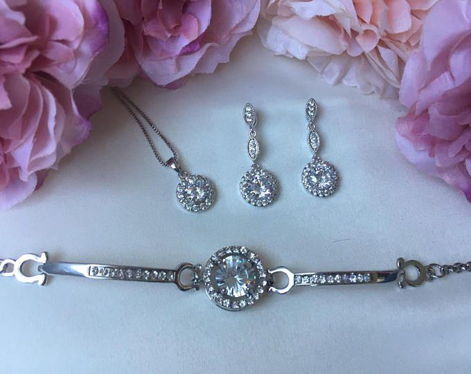 Wedding accessories, bridal accessories, bridal jewellery set, wedding jewellery set, crystal jewellery
