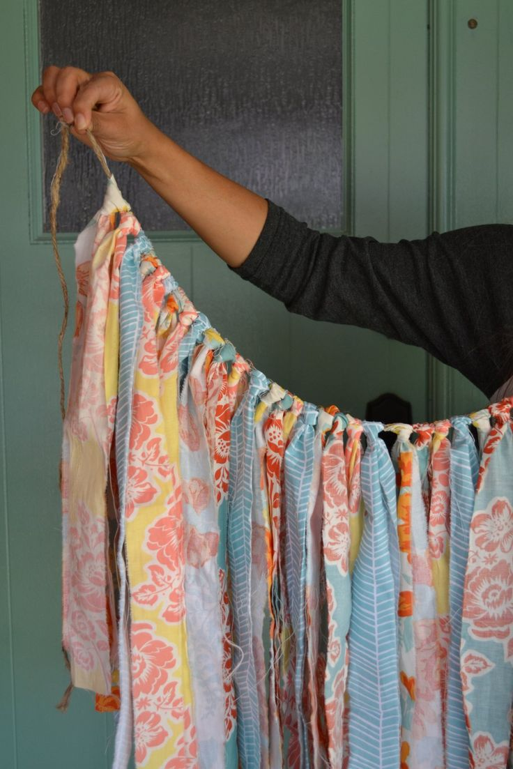 How to make a fabric backdrop - How To Make An Easy Fabric Garland Quick Diy Fabric Strip Garland For Baby Showers And Home Decor