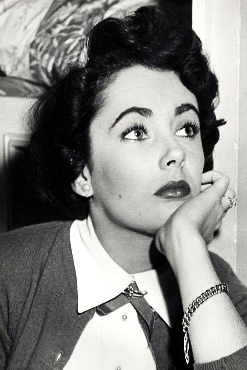 Elizabeth Taylor on the set ofFather's Little Dividend (1951)