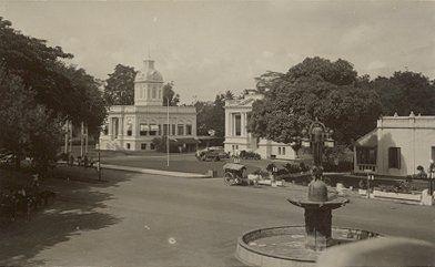 Cremerweg met Stadhuis Medan 1900-1920.