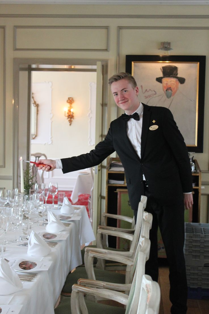 Service, waiters, our restaurant, romantic with candles, Restaurant Munch, Hotel Refsnes Gods
