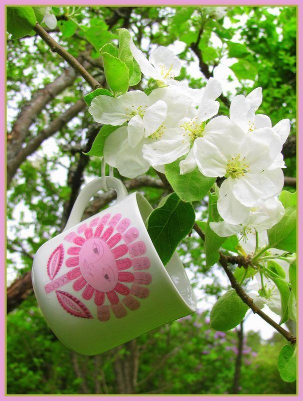 Arabia DAISY cup, designed by Esteri Tomula\\n\\n11.7.2013 19.54