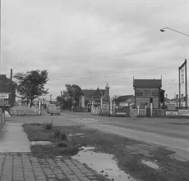 Sommerville Road railway crossing Yarraville