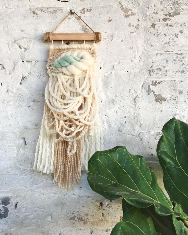 "244 mentions J'aime, 18 commentaires - Kat King Tapestries (@katkingtapestries) sur Instagram : ""Don't forget your green today! 🍀Keep your eyes peeled this weekend for more info about my little…"""