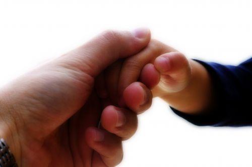 L'empathie est la capacité à s'identifier à quelqu'un, à ressentir et partager ses émotions ; elle représente une forme de compréhension affective de l'autre. Empathie et altruisme C'est aussi une...