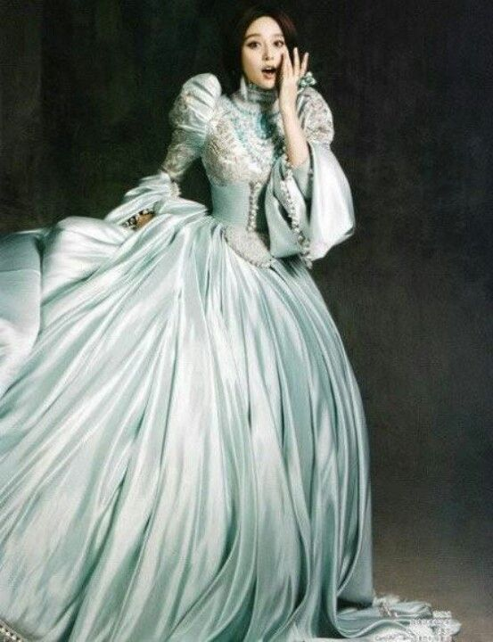 360 best Historical clothing images on Pinterest | Period costumes ...