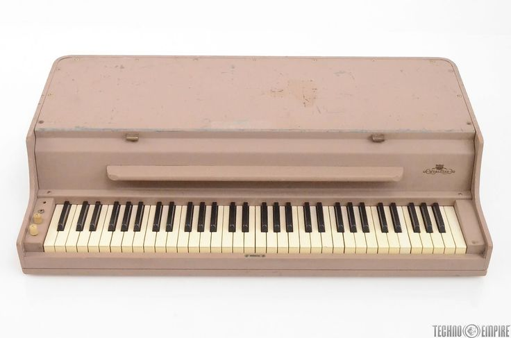 INVENTORY #27775 BRAND - WURLITZER MODEL - 140B FUNCTION - Electric Piano DESCRIPTION -This listing is for a Vintage WURLITZER Model 140B Electric Piano 64-Keys owned and used by Robben Ford. Just serviced by legendary keyboard/organ/electric piano wizard Ken Rich! We brought this unit over to Ke...