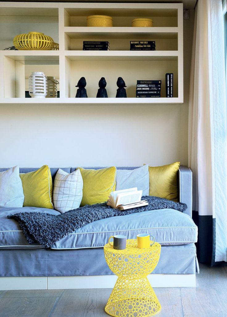 une chaise jaune moutarde woud d co moutarde salon blanc d coration salon papier peint et. Black Bedroom Furniture Sets. Home Design Ideas