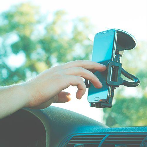 En la actualidad, al momento de planear un viaje en carretera, equipar adecuadamente tu celular es casi tan importante como preparar la maleta o revisar el mantenimiento de tu automóvil. Los smartphones ya no son sólo un medio para comunicarnos, se han convertido en un verdadero salvavidas para los viajeros. En LTH nos preocupamos por …