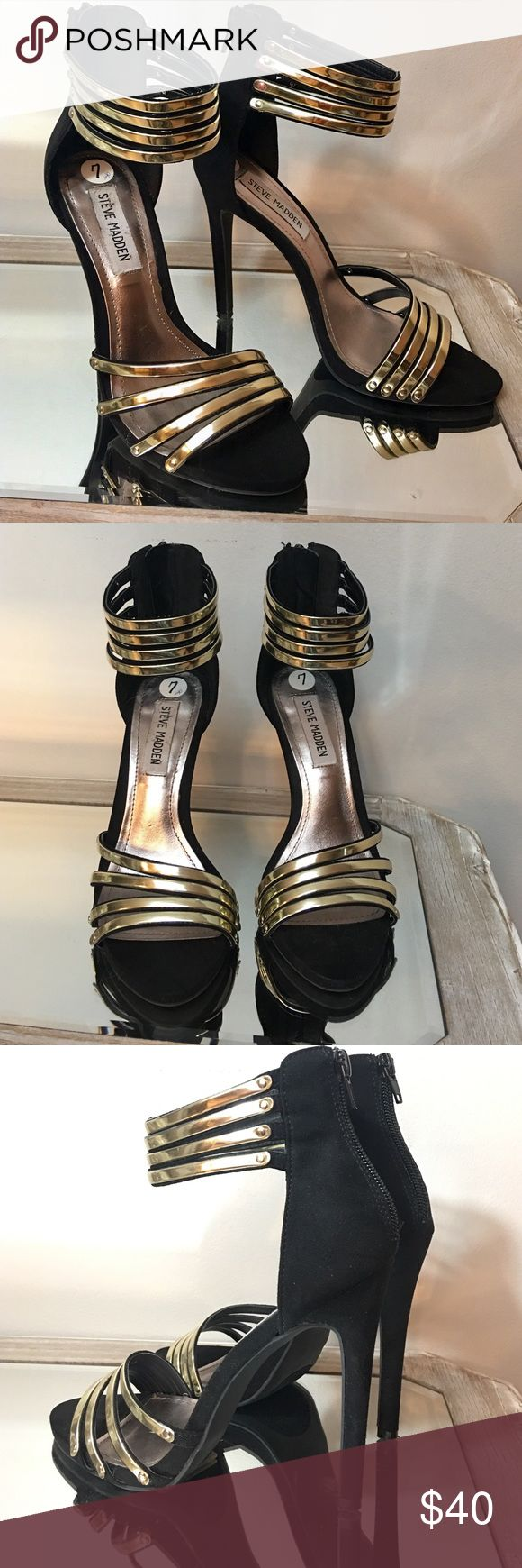 "Steve Madden Black & Gold Open Toe Sandal Heels Excellent condition! Steve Madden Black & Gold Open Toe Strappy Sandal 4.5"" Heels zips up back. Steve Madden Shoes Heels"