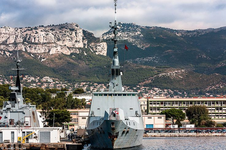 Frégate furtive Surcouf (F711) #boat #bateau #marine