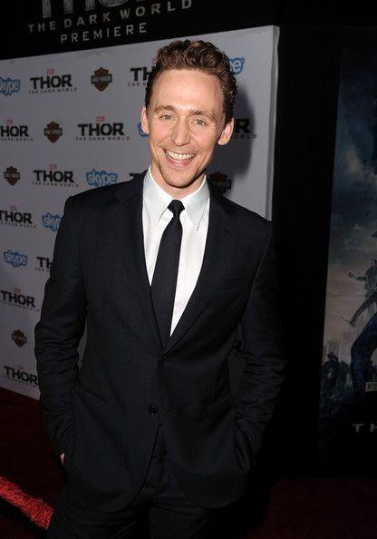 ~~Tom Hiddleston Photos - 'Thor: The Dark World' Premieres in Hollywood - Zimbio~~