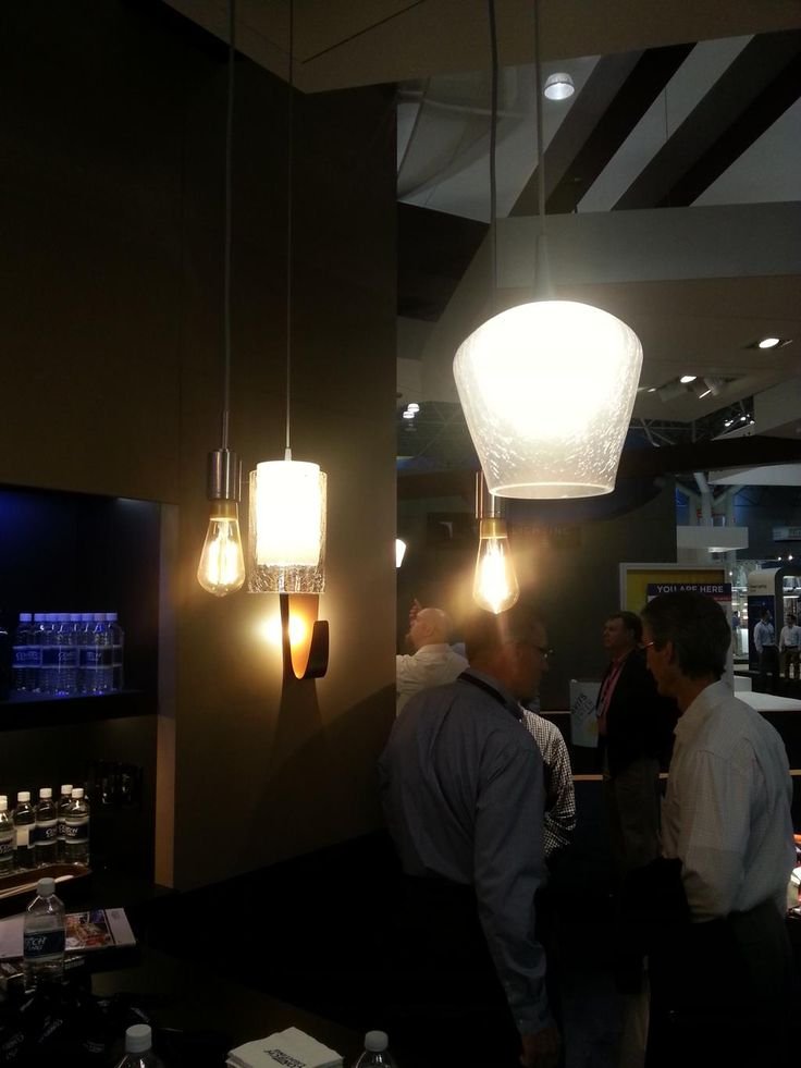 The MEGAMAN #LED #Filament lamps attracted plenty of interest on the @contechlighting  stand at #lightfair  http://www.megamanlighting.com/en/led-lighting/led-lamps/led-non-directional/led-filament-lamp