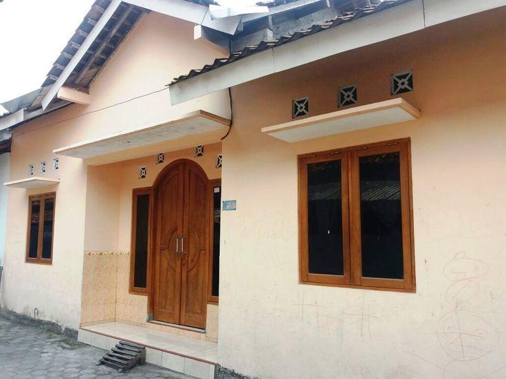 Rumah disewakan dekat UGM UNY 2 kt, 13 jt/th. Bisa buka www.kontrakan5.com atau bisa hubungi 085600011669 / D46C8e79.