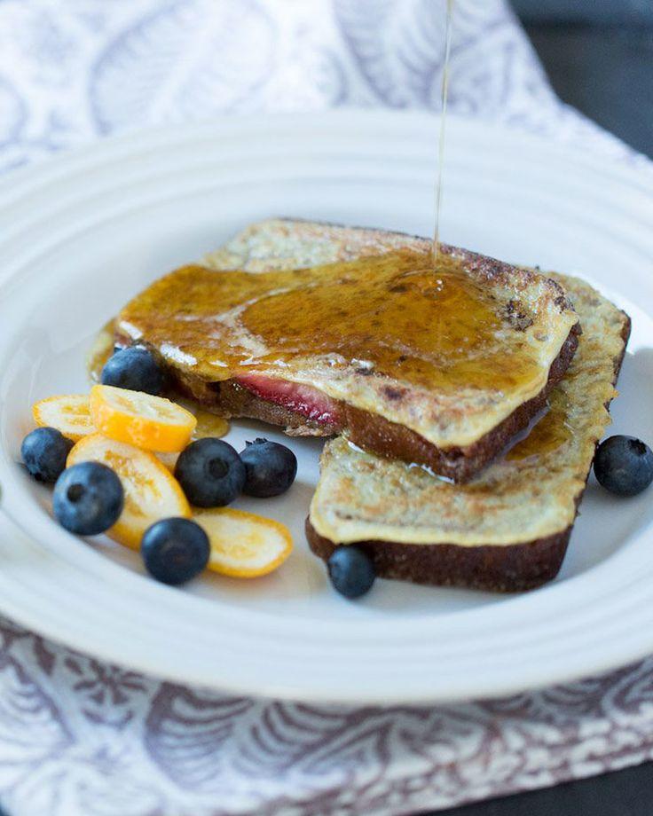 17. Paleo French Toast #paleo #breakfast #recipes http://greatist.com/eat/paleo-breakfast-recipes