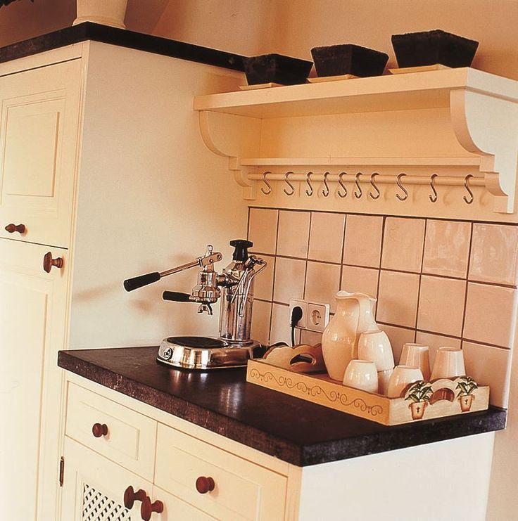 #thelivingkitchen #paulvandekooi #klassiek #maatwerk #homemade #Dutchdesigner #keuken #kitchen