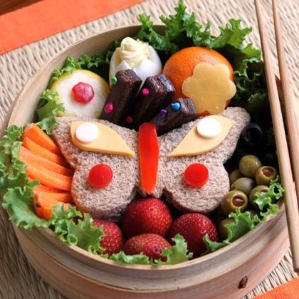Butterfly Garden Bento Box - #lunch idea?