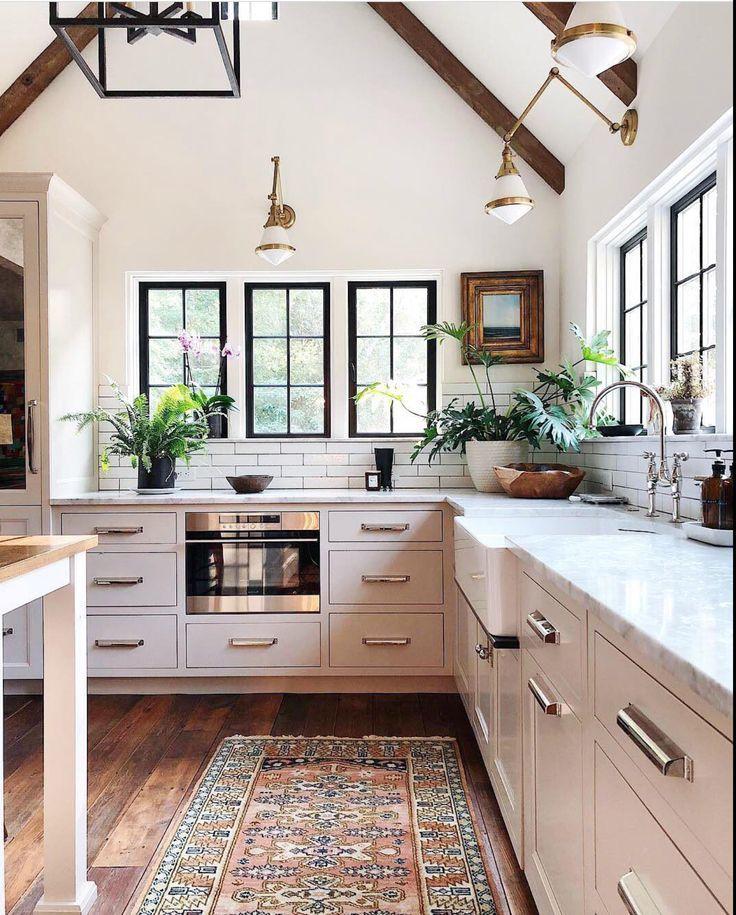 Bright Open Kitchen Design With Vaulted Ceiling Koksdesigner