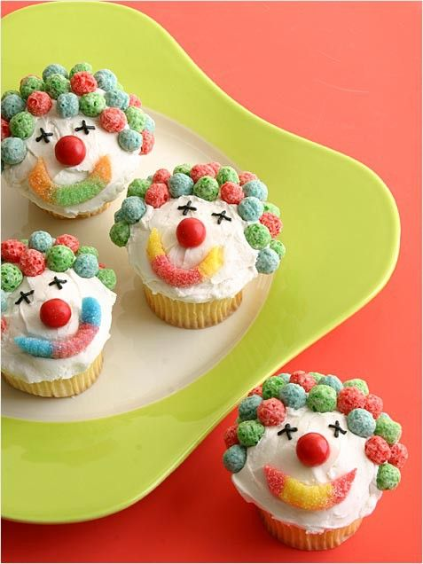 Clown Cupcakes!  Cute for a circus themed b-day party!