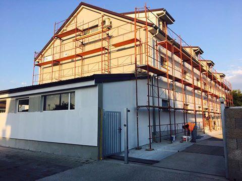 Fasáda je už skoro hotová, čoskoro sa môžete tešiť, na ďalšie nové projekty. #architecture #design #firmabeles #house #home #slovakia #svk
