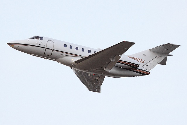 Hawker 800 N8881J