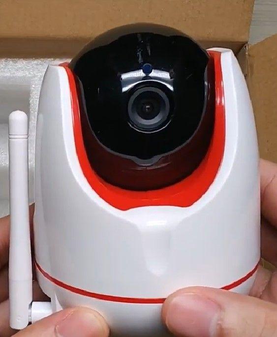 IP cam kamera CCTV untuk memantau kondisi rumah atau toko. Iinstalasi sangat mudah.