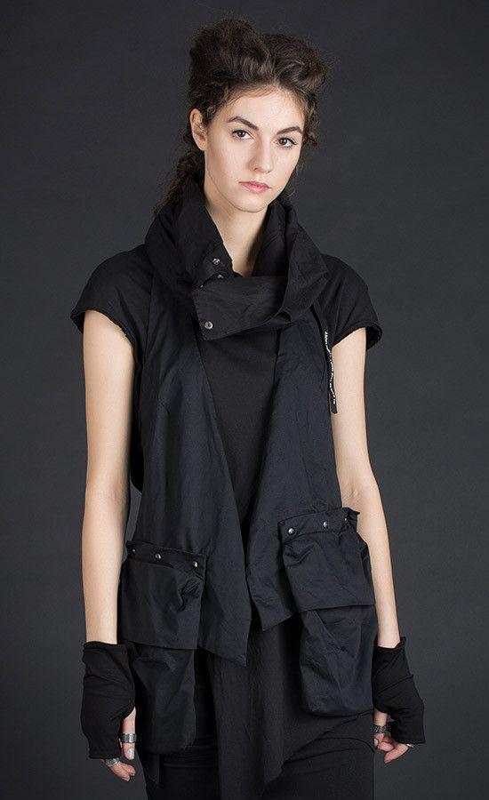 VESTY -  Backless black vest - Detachable cargo pockets / also comes in grey old dye variant | Studio B3 |