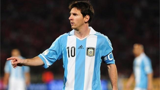 Prodigios del futsal Lio Messi hizo sus pinitos en una cancha de 40 X 20!!!