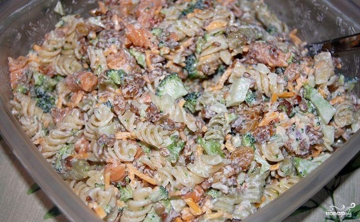 Азиатский салат с ростками фасоли