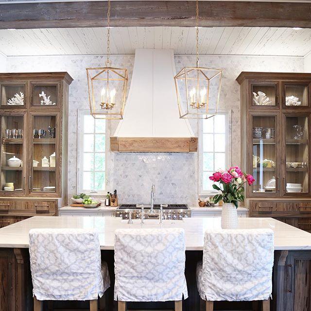 Black cypress cabinetry . . . #burntpinecove #oldseagrovehomes #interiordesign #kitchen #thatsdarling #interiors #styling #bhghome #apartmenttherapy #interiorinspiration #homedecor #instakitchen #visualcomfort #leeindustries