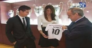 James apareció en el Real Madrid junto a su esposa. (Real Madrid)