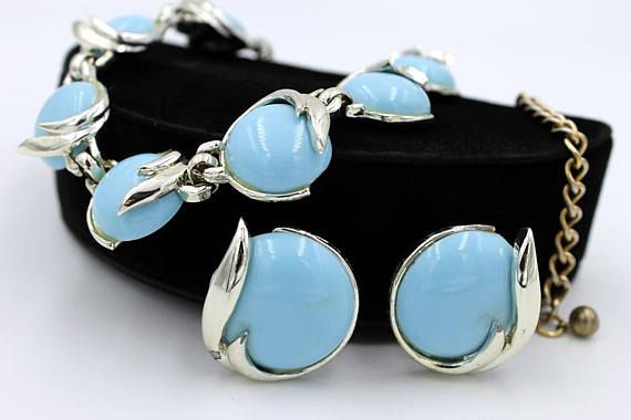 Pell Blue Necklace and Earring Set ca. 1950s Vintage Jewelry #vintagejewelry #jewelryset