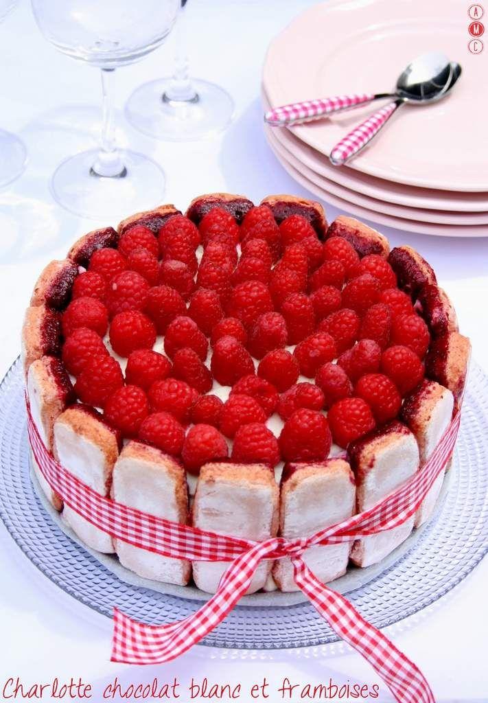 Charlotte au chocolat blanc et framboises De quoi faire un beau et bon gâteau sans cuisson en 30minutes ;)