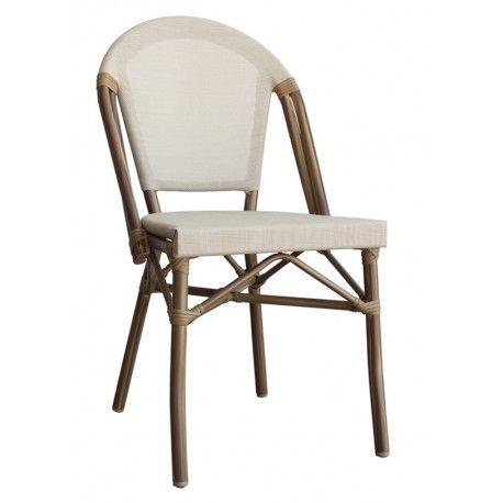 Silla Parisina en color crema. Disponible también en color burdeos.  Las sillas perfectas para crear terrazas de estilo bistro francés.