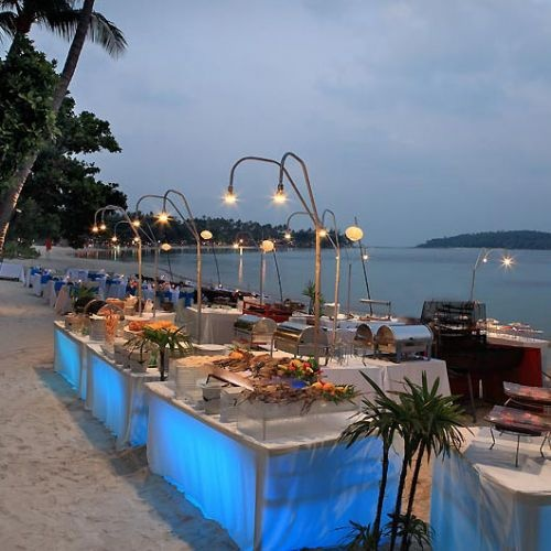 Wedding Food Tables: Beach Wedding Dinner Reception Buffet Food Stations