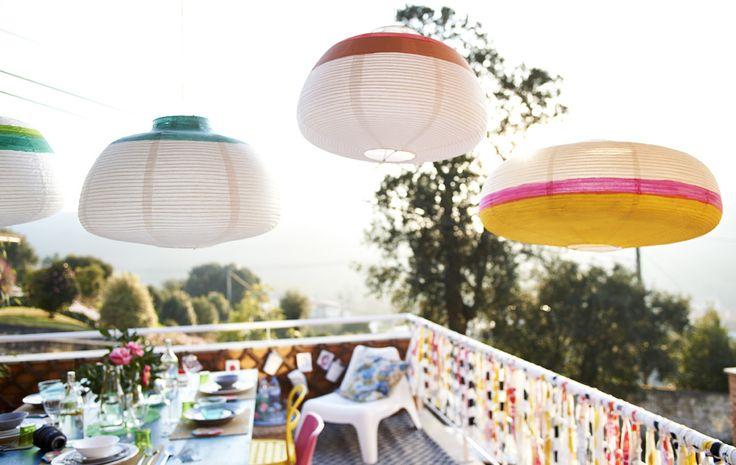 Las lámparas decorativas son ese elemento de luz y color que pide a gritos tu exterior.